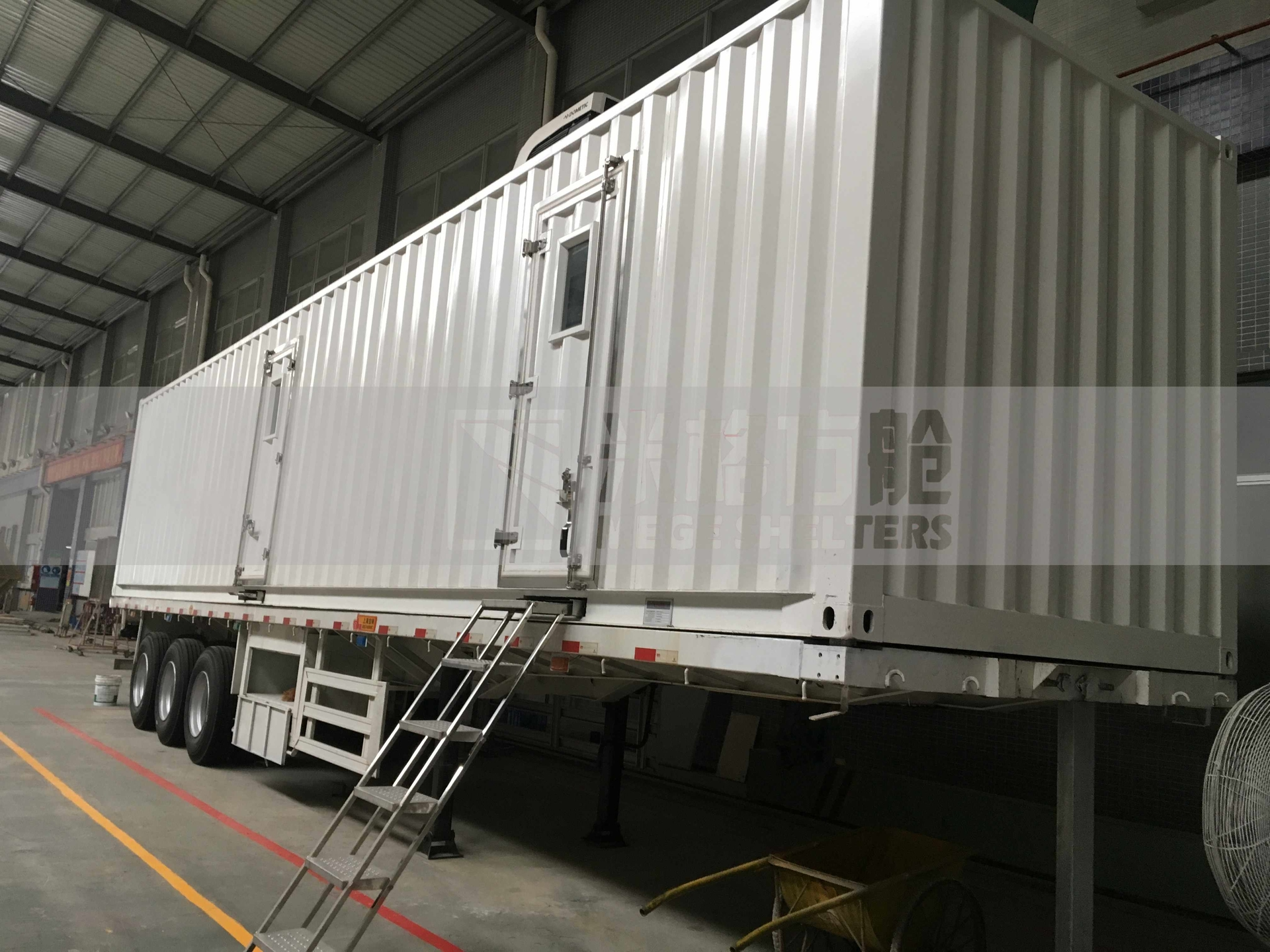 Mege Container Clinic Truck